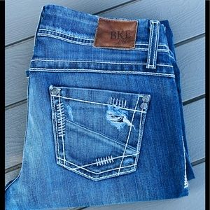 BKE Stella Bootcut Jeans 28R Low Rise DistressLook